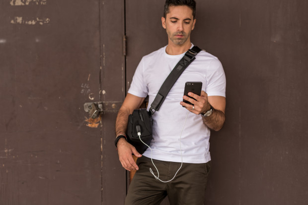 Go Sling Pro: The Ultimate Anti-Theft Travel Bag-GadgetAny