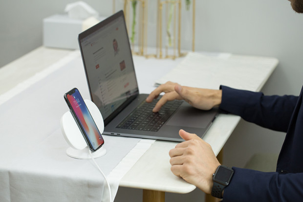 Plux: Charge Your New Apple Devices Simultaneously-GadgetAny