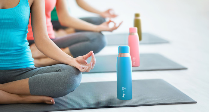 N-hug – World's most brilliant self cleaning water bottle-GadgetAny
